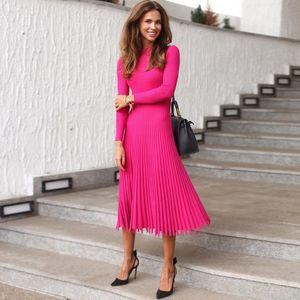 2020 Nueva Otoño Invierno de punto de las mujeres del vestido del color sólido de oficina Vestido plisado elegante suéter de las señoras vestidos delgados Midi
