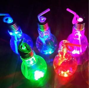 Glow светодиодные лампы бутылки воды Cute Girl моды молоко сок лампочки Силиконовые LED освещение Очистить воды Кубок стекла Герметичная Кубок LSK110