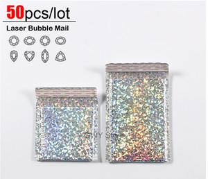 Borse Mailing 50pcs Laser Bubble Mailer Poly Buste con bolla Trasporto Packaging busta bollettini riempiti del sacchetto di trasporto