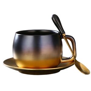 Marka Tasarımcı Stil Yeni Mat Siyah Altın şampanya Kahve Fincan Seti Masa Dekorasyon Benzersiz Seyahat Çift Çay Bardakları ve Kupalar