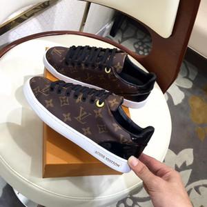 Die neuesten Schuhe der Frauen Luxuryl42ss echtes Leder Art und Weise weiße Frauen beiläufige flache Schuhe der Qualität bequemen Breathable sneakes Sport