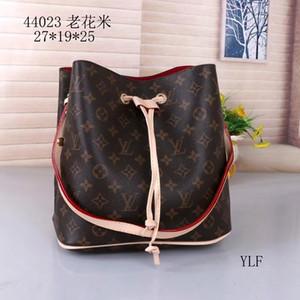 Kepçe çanta Marka deslgner Sırt Çantası Moda deri Casual Unisex Seyahat Bag çanta Çift Sırt Çantası Bilgisayar Çantası