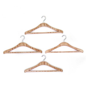 Scale Accessories 4pcs Hangers Miniatures Dollhouse Decoration Brown