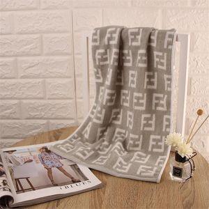 2020 F Lettre Serviette Coton Comprimé Rectangle Accueil Serviette Main Visage Cheveux De Bain Designer Serviette Livraison Gratuite