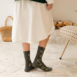 Druck 1 Paar Baumwollsocken Frauen Retro Blumen Herbst-Winter-Wärmer-Socken-japanische Kawaii Mädchen-nette Socken für Damen Weihnachtsgeschenke