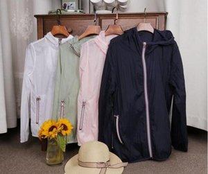 2019 nouveau printemps / été vêtements de plein air de la peau des femmes des vêtements de protection uv respirant à capuche Voyage veste mince vêtements de plein air