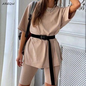 Dos conjuntos de piezas de la Mujer AREQW Casual + Belt 2020 de verano Moda sólido ocasional flojo de la camiseta + pantalón corto femenino