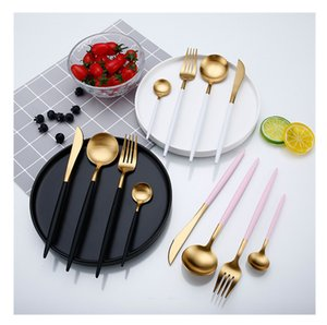 2018 Top Fashion Luxury Electroplate Gold Tableware Set Western Portable 304 acero inoxidable 4Pcs / set accesorios de cocina envío gratis