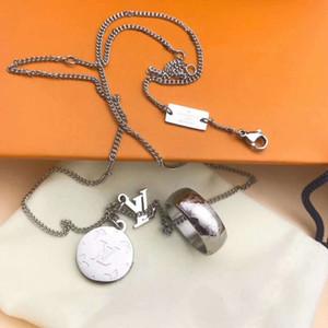 Bague en acier chaud vente en titane ronde Marque Titane Acier Créatrice de bijoux collier design super rentable