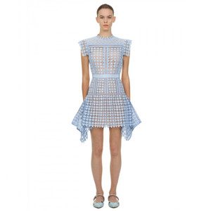Şık Kalp Shape Mavi Hollow Out Dantel Elbise Kadınlar 2020 Yaz Kolsuz Düzensiz Mini Elbise Kadın