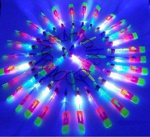 Флэш-вертолет удивительный светодиод загорается стрелка ракета вертолет вращающийся летающий игрушка ну вечеринку забавный подарок красный и синий двойной вспышкой
