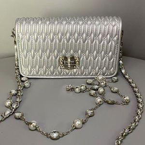 Chaîne Sacs à bandoulière Messenger Bag Lady Purse Fashion Diamante Drill eau chaîne Paquet amovible Bandoulière plissé Moraillon Sacs à rabat