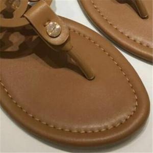 Hot Sale-Mulheres Designer clássico do estilo de sandálias das senhoras dos falhanços de aleta Multi Color Tamanho 35-42 Luxo menina Lâminas Marca Mulher Sandálias