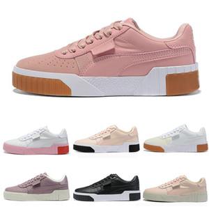 2020 الأزياء ساخنة جديدة بيع عالية الجودة رخيصة بالجملة حذاء رياضة للرياضة في الهواء الطلق للماء المرأة الاحذية 36-39