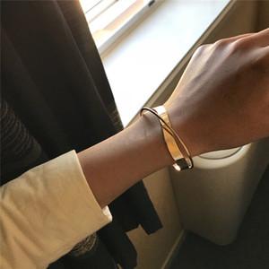 Glossy Double Layer Bracciale braccialetto dell'annata irregolare geometrica Croce Ripple aperto braccialetto per i monili di regalo di modo delle donne Party Girl