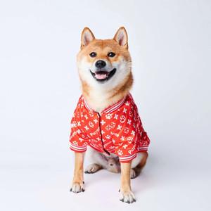 abrigo de perro tendencia letra de cuerpo completo de impresión y el algodón algodón gruesa capa del perro mascota de moda suéter caliente nueva