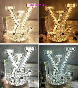 Modèle Chambre Lumière Luxe Simplicité Lettre L Mode Lampe de chevet Lampe en cristal Décore Réchauffez Table lumière blanche Lampes Pour Chambre