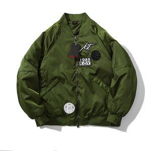 Mens Womens Unisex Oversize Fashion Designer Bomber Jacket Brasão de Luxo Marca Jacket 2 cores Algodão acolchoado Jacket Casual M-XXL B103152Z
