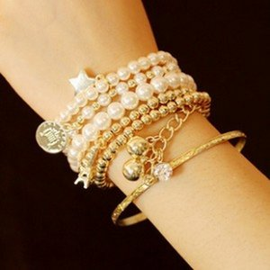 Multi- Eiffel Tower Pearl Vintage Bracelet with Coin Six-Piece Ornament Multi-Layer Elastic Bracelet for Fashion women