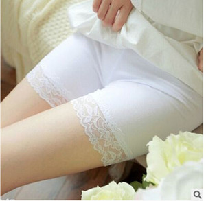 Donne Shorts Sicurezza pizzo biancheria intima dei pantaloni di sicurezza Sleepwear Black / White