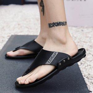 Flip Flops Homens New Style Verão ao ar livre Fresco chinelos de couro Genuine Brown Black Moda sapatos de praia