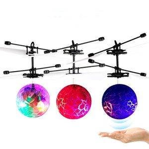 Mini insansız RC Helikopter Uçak Uçan top oyuncak uçan top Shinning LED Gadget Aydınlatma Quadcopter Dron sinek Helikopter Çocuk oyuncakları haber