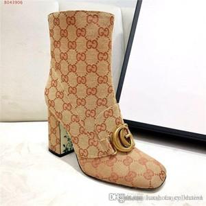 두꺼운 발 뒤꿈치와 하이힐 여성 부츠, Clafskin 높은 뒤꿈치 클래식 뒤범벅 발목 부팅 레이디 캐주얼 신발 박스 크기 35-40로 펌프