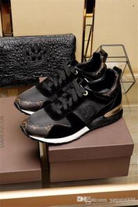 Pelle TOP Lussi progettisti scarpe casuali Rockrunner per il tempo libero Scarpe Uomo Donna scarpe da tennis della maglia della rappezzatura Flats poco costosa delle ragazze miglior tennis