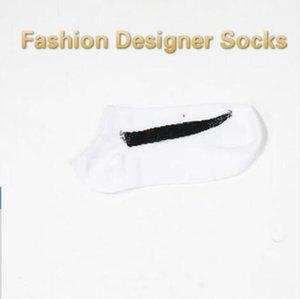 Diseñador de los hombres Marca masculino calcetines calcetines del tobillo Calle diseñador de ropa interior para hombre de baloncesto calcetines de deporte de las mujeres del tamaño libre al por mayor