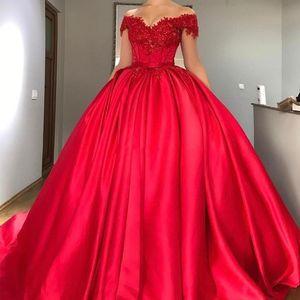 Uzun Kırmızı Leke Kapalı Omuz Quinceanera Elbiseler Dantel Aplikler Boncuklu Balo Puf Tatlı 16 Parti Balo Elbise