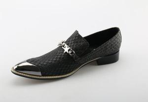 Старинные туфли платье Серебристый Металл Голова Цепи Мужская Обувь модный Бренд Звездные Мокасины Кожаные Квартиры Обувь Ручной