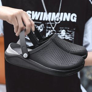 2020 Men Sandals Crocks Summer Hole Shoes Crok Rubber Clogs Men EVA Unisex Garden Shoes Black Crocse Beach Flat Sandals Slippers Y200702