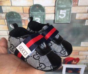 Nova tela bebê Sports sapatilhas recém-nascido Meninos Meninas Primeiro Walkers Calçados infantil da criança macia Sole Anti-derrapante Baby Shoes