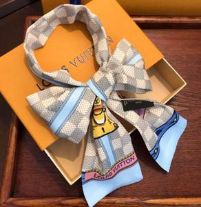2019 Nuovo Pieghe Piccola Piazza del raso sciarpa di seta 120 * 8cm di Donne Pois stampata floreale velo dell'involucro della sciarpa Fazzoletto