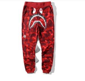 Мужские шаровары Камуфляж Shark Pant Брюки Мода Wgm Осень Зима Руна Спортивная одежда Длинные брюки Jogger Выполняемые