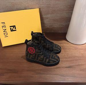 Crianças designer de sapatos meninos e meninas de moda de alta-top sapatos carta padrão de revestimento mais o projeto de veludo botas clássicas Eursize 26-35