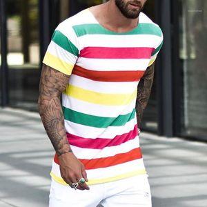 Neck manga curta de Slim Casual Tees All Jogo diário de vestir dos homens camisas listradas do arco-íris Cores Mens Designer Tshirts Rodada