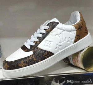 2020 السيدات الكلاسيكية الجديدة والأحذية المسطحة عارضة الفتيات أحذية رياضية جديدة تصميم مصمم الراقية أحذية رياضية الغلاف الجوي