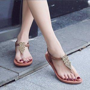 Чжэньчжоу Женская обувь чистая красные сандалии Женские плоские с 2019 года новый чешский национальный ветер плоским дном дикий курорт пляжная обувь