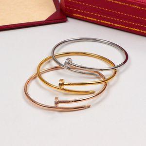 2020 Designer Nail Armband für Frauen Titanstahl Gepflasterte Runde Silber Gold Weibliche Luxus-Armband-Armband Carter c