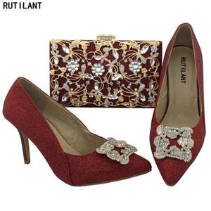 Scarpe Vino di colore e sacchetto regola per la corrispondenza di scarpe donna e tacchi in borsa Set in italiano con i sacchetti di corrispondenza per Matrimonio Italia