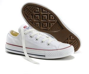 Nagelneuer Fabrik-Aktionspreis! Segeltuchschuhe Frauen und Männer Low Style Classic Segeltuchschuhe Casual Canvas Schuh