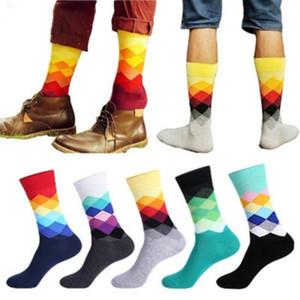 Мода счастливые носки мужские чулки британский стиль плед носки градиент цвета женское нижнее белье личности хлопчатобумажные носки свободный размер 6 цвет