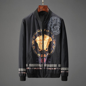 Italienische Herrenjacke Trend diversifiziert männliche Brief Jeansjacke Artmarke Jacke Medusa Mode Herrenbekleidung