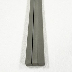 سعر 1kg gr5 titanium square bar في مخزون titanium bar في جميع أنحاء العالم. المصنع مباشرة قضبان التيتانيوم مربع