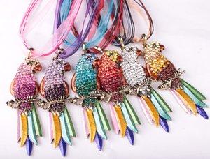 Printemps et Automne bijoux, mode européenne et américaine Exagération Electroplated plumes colorées Parrot dentelle Collier