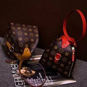 New Wristlet Type Sling Purse Square Plus Coin Small Stachel Bag. 2020's Stylish Fashion Bag For Women