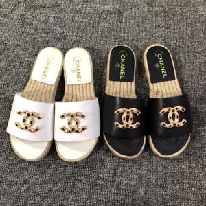 Nuevo 2018 verano de la mujer de las sandalias de los remaches grandes bowknot Chanclas playa Sandalias planas Femininas jalea sandalias de los diseñadores