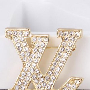 Moda 14k Gold Brand Letters Broches Bling Bling Crystal Ramillete Bufanda Clips Mujeres Traje Solapa Pines Accesorios Joyería