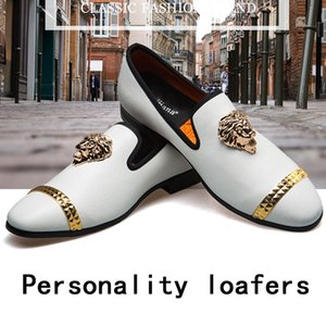 Persönlichkeit Bunte Männer Spitz Mens Dress Shoes Echtes Leder Luxus Hochzeit Schuhe Party Männer Klassische Müßiggänger lässig
